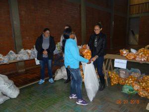 36270700_872602926281977_7787761879383801856_n-2-300x225 Mais uma distribuição de alimentos do Programa de Aquisição de Alimentos (PAA)