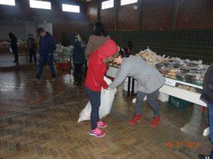 36283144_872602969615306_1219136744826339328_n-1-300x225 Mais uma distribuição de alimentos do Programa de Aquisição de Alimentos (PAA)