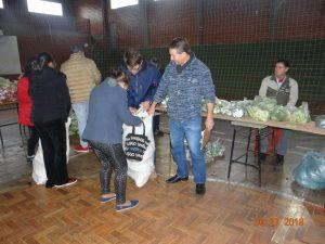 36292033_872603319615271_6562619219794460672_n-1-300x225 Mais uma distribuição de alimentos do Programa de Aquisição de Alimentos (PAA)
