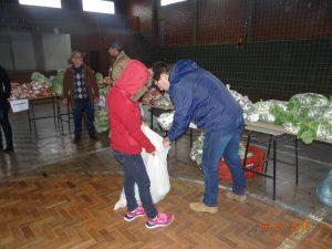 36293806_872603062948630_7702884997673254912_n-1-300x225 Mais uma distribuição de alimentos do Programa de Aquisição de Alimentos (PAA)
