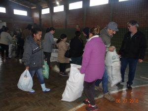 36310241_872602856281984_5895613861037342720_n-1-300x225 Mais uma distribuição de alimentos do Programa de Aquisição de Alimentos (PAA)