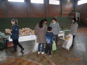 36320143_872603116281958_2754892487234420736_n-1-300x225 Mais uma distribuição de alimentos do Programa de Aquisição de Alimentos (PAA)