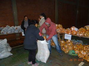 36381153_872534209622182_1675598546125979648_n-1-300x225 Mais uma distribuição de alimentos do Programa de Aquisição de Alimentos (PAA)
