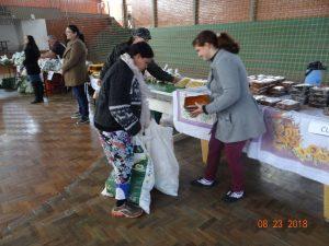40317157_335180033887478_1529414549613051904_n-300x225 Mais uma entrega de alimentos pelo Programa de Aquisição de Alimentos-PAA