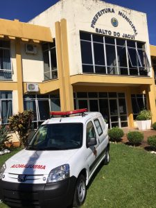 WhatsApp-Image-2019-05-02-at-17.37.56-3-225x300 Prefeito recebe nova ambulância para o município.