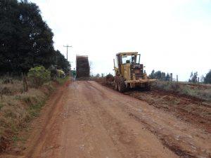 70261939_632769153797727_1884577893674123264_n-300x225 Recuperação de acesso no Distrito de Capão Bonito.